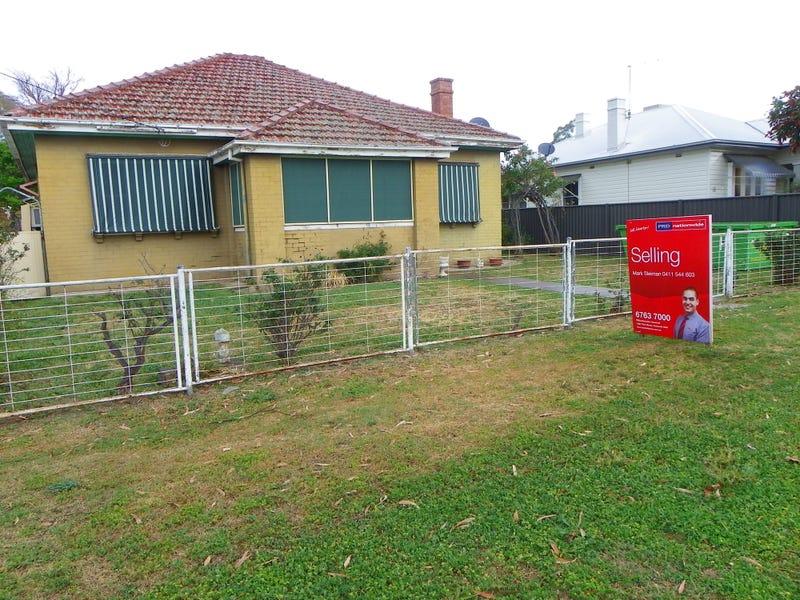 12 Gidley Street, Tamworth, NSW 2340