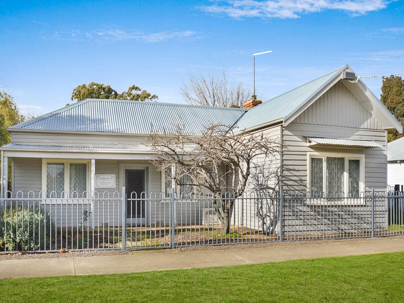 176 High Street, Avoca, Vic 3467