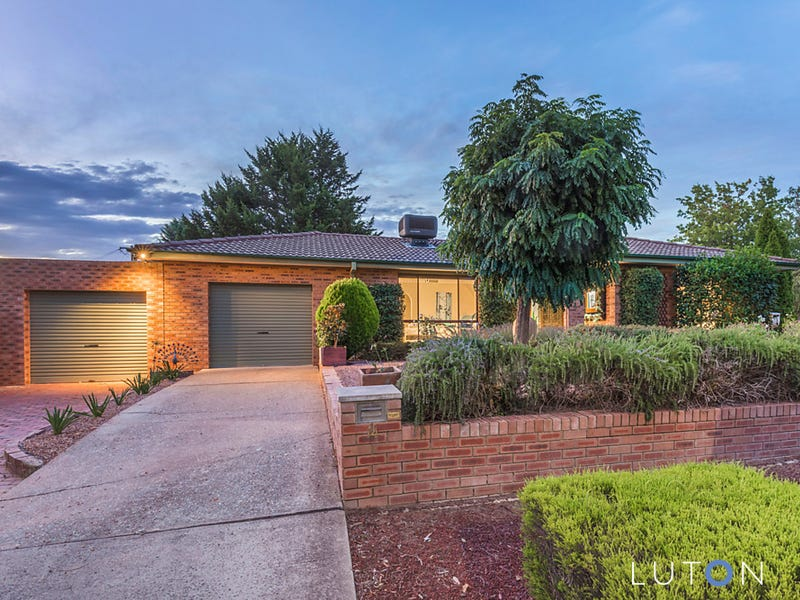 14 Pickering Street, Monash, ACT 2904