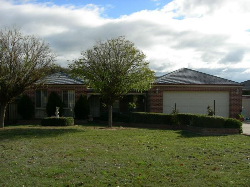 27 Robinia Court, Kilmore, Vic 3764