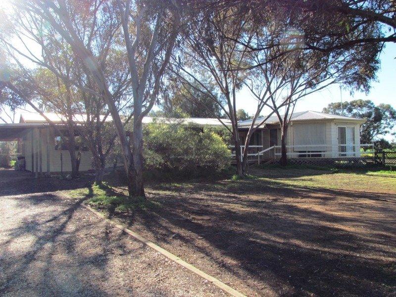32 Goward Road, Owen, SA 5460