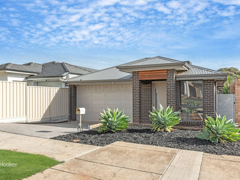 13 Montrose Ave, Clearview, SA 5085