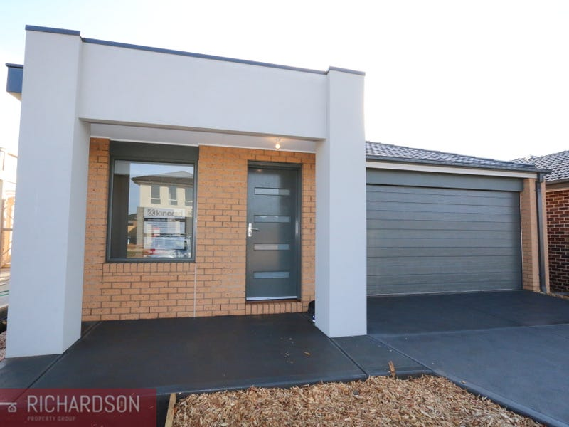 21 Leopold Street, Melton South, Vic 3338