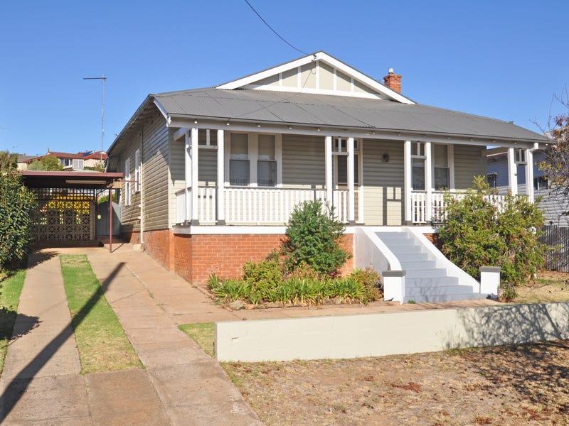 32 Commins Street, Junee, NSW 2663