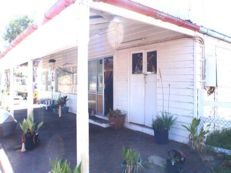 6 Creek Street, Yuleba, Qld 4427