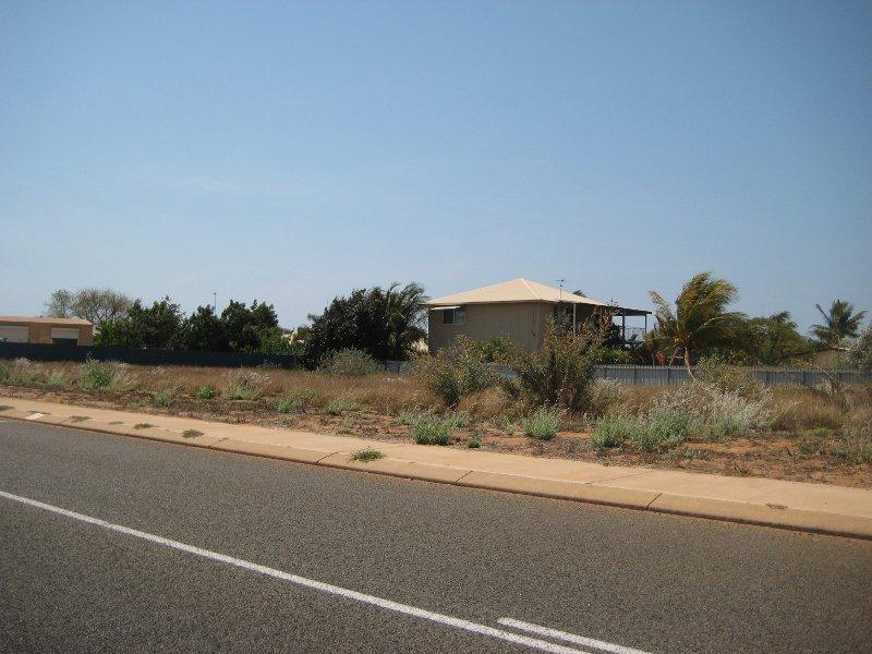 15 Honeymoon Road, Point Samson, WA 6720