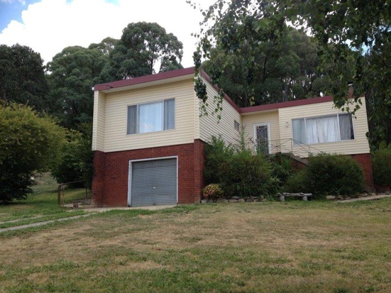 8 Eurabbie Street, Batlow, NSW 2730