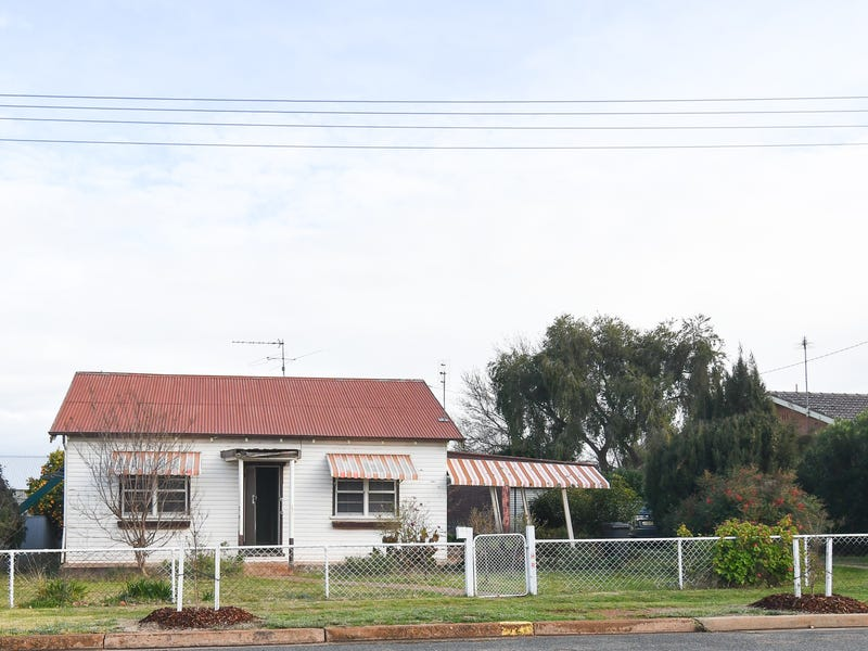 72 GALLIPOLI STREET, Temora, NSW 2666