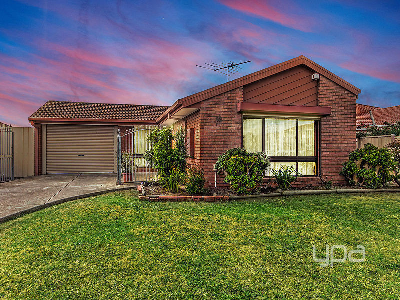 48 Currunghi Court, St Albans, Vic 3021