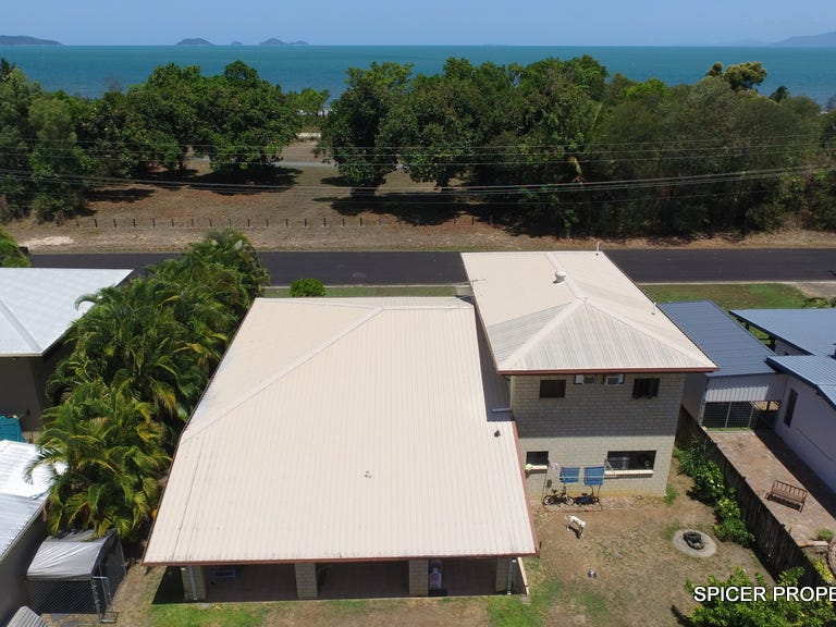 111 Taylor Street, Tully Heads, Qld 4854