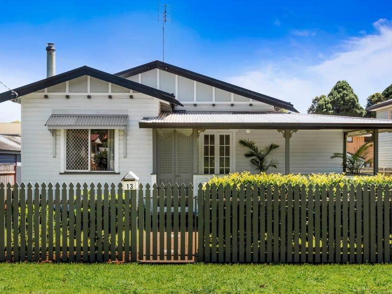 13 Leonard Street, East Toowoomba, Qld 4350