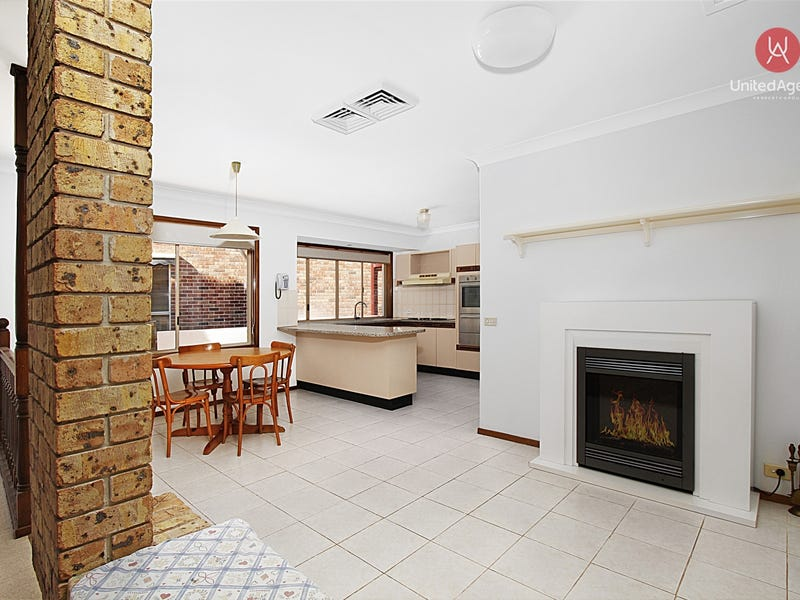 3 Heatley Close, Abbotsbury, NSW 2176