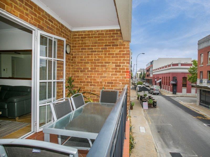 2/51  Pakenham Street, Fremantle, WA 6160