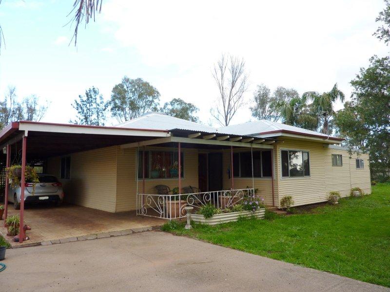 """Lexden"", 66 Riverview Road, Gilgandra, NSW 2827"