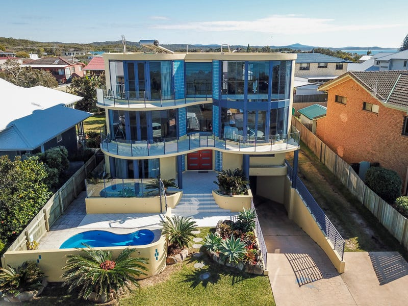 7 Grevillia  Parade, Minnie Water, NSW 2462