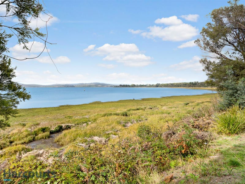 28 Foreshore Road, Swan Point, Tas 7275