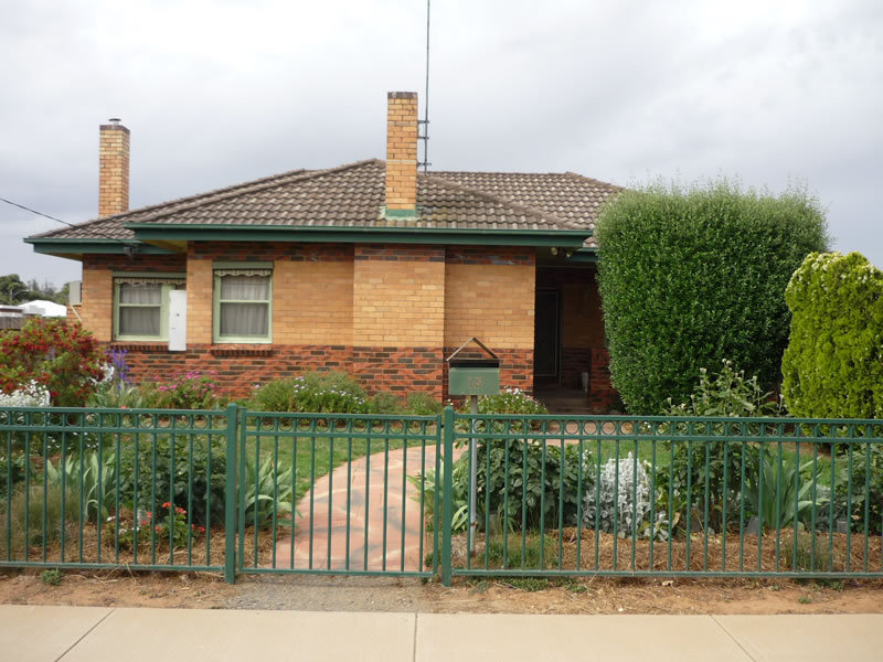 15 Camp Street, Charlton, Vic 3525