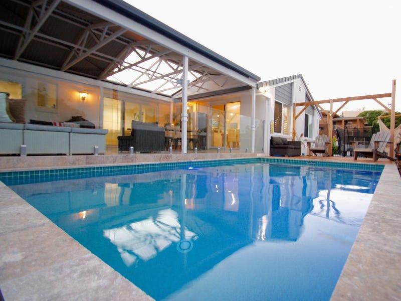 2 Marisa Court, Moffat Beach, Qld 4551