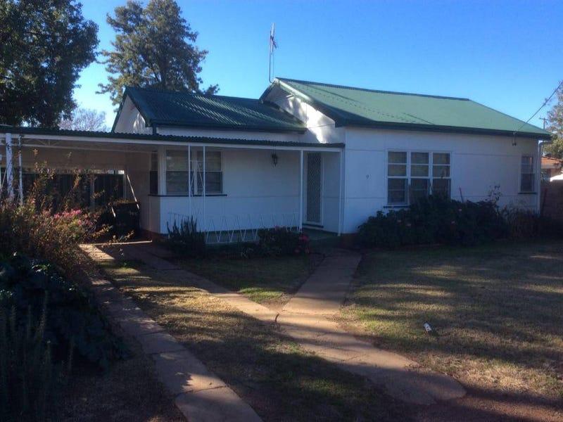 9 ELLENGERAH STREET, Narromine, NSW 2821