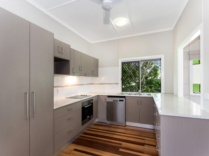 41 MONTGOMERY STREET, West End, Qld 4810