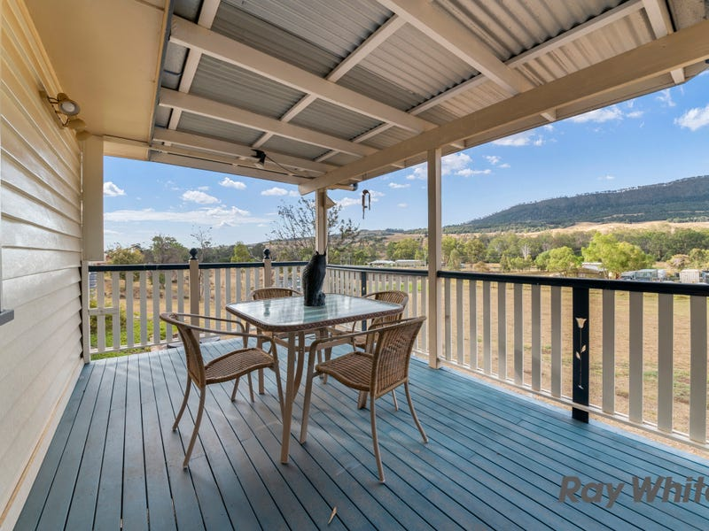 18 Roach St, Mount Colliery, Qld 4370