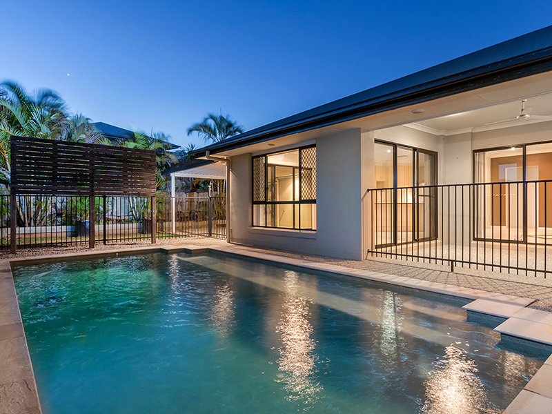 27 Ebony Cres, Redland Bay, Qld 4165