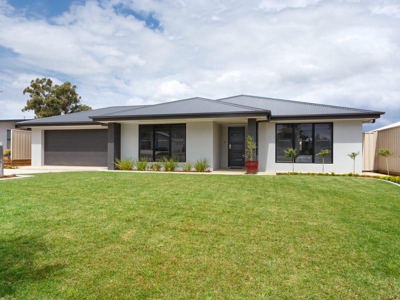 3 Cootamundra Boulevard, Gobbagombalin, NSW 2650
