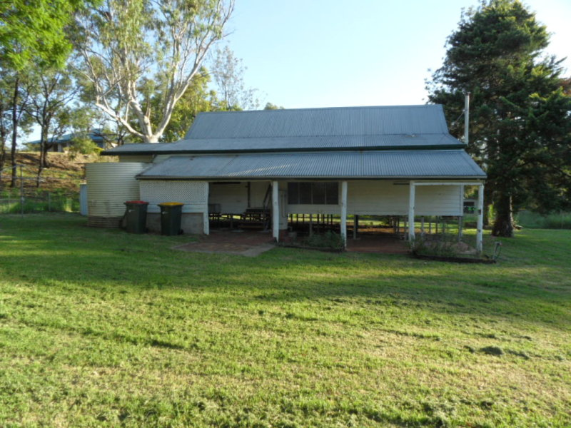 92 Woodbine Street, Springsure, Qld 4722