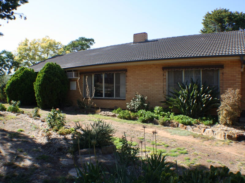 83 Godfrey St, Wedderburn, Vic 3518