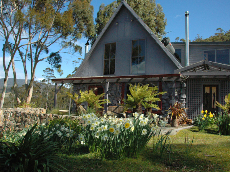 109 Simpsons Bay Road, Simpsons Bay, Tas 7150