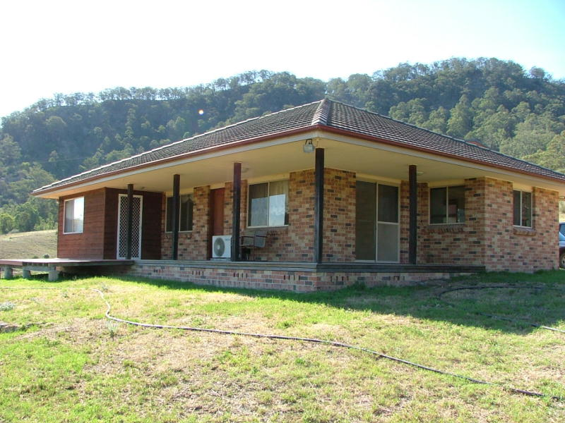 81 Spring Creek R.O.W, Castle Rock, NSW 2333
