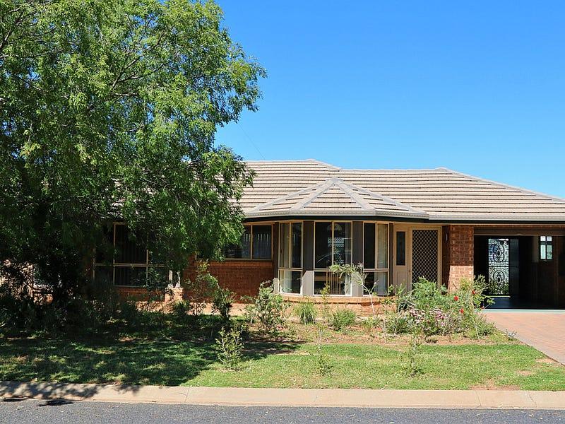 32 Flinders Street, Parkes, NSW 2870