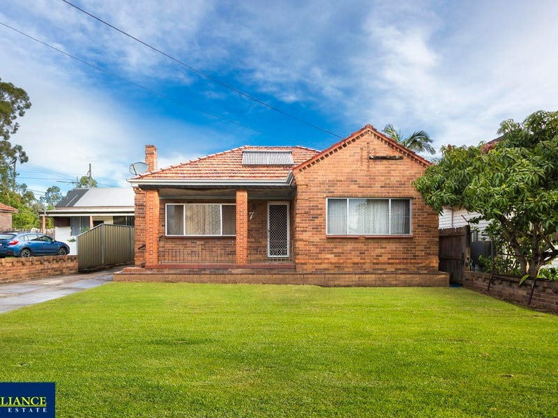 7 Childs Street, East Hills, NSW 2213