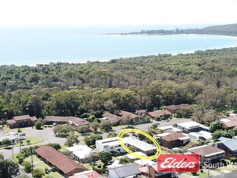 27 Phillip Drive, South West Rocks, NSW 2431