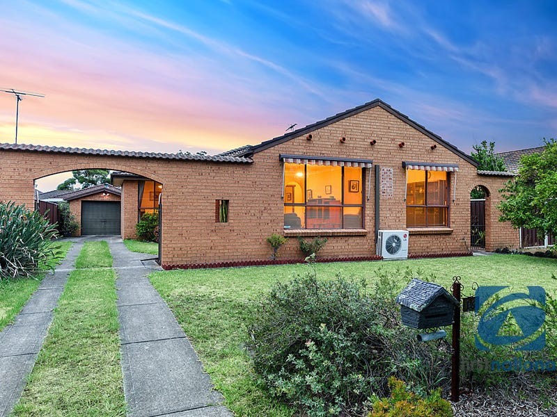 16 Lobelia Crescent, Quakers Hill, NSW 2763