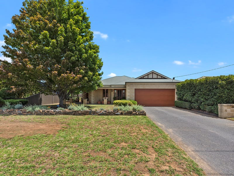19 Rosemary Court, Yarrawonga, Vic 3730
