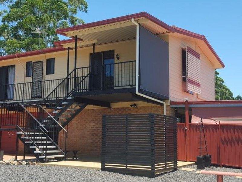Upstairs/9 Owens Crescent, Alstonville, NSW 2477