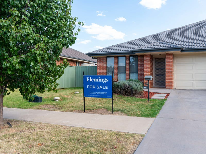 11a Mayoh Place, Young, NSW 2594