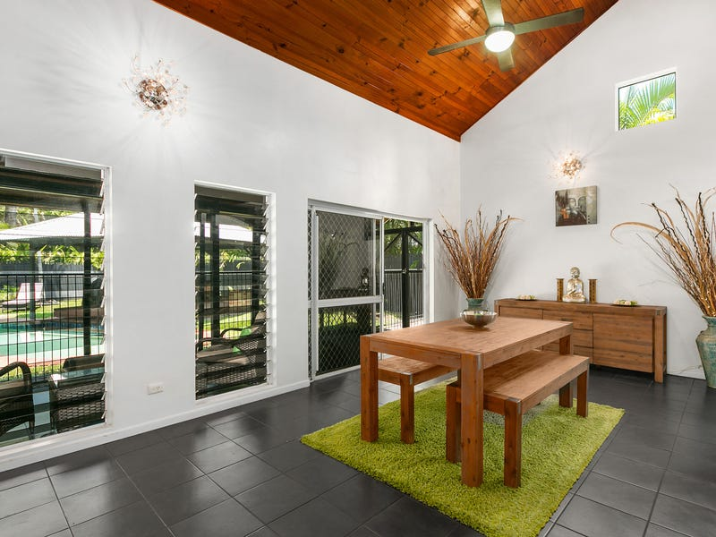 72 Wistaria Street, Holloways Beach, Qld 4878