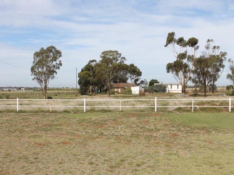 10 Whelans Road, Parwan, Vic 3340