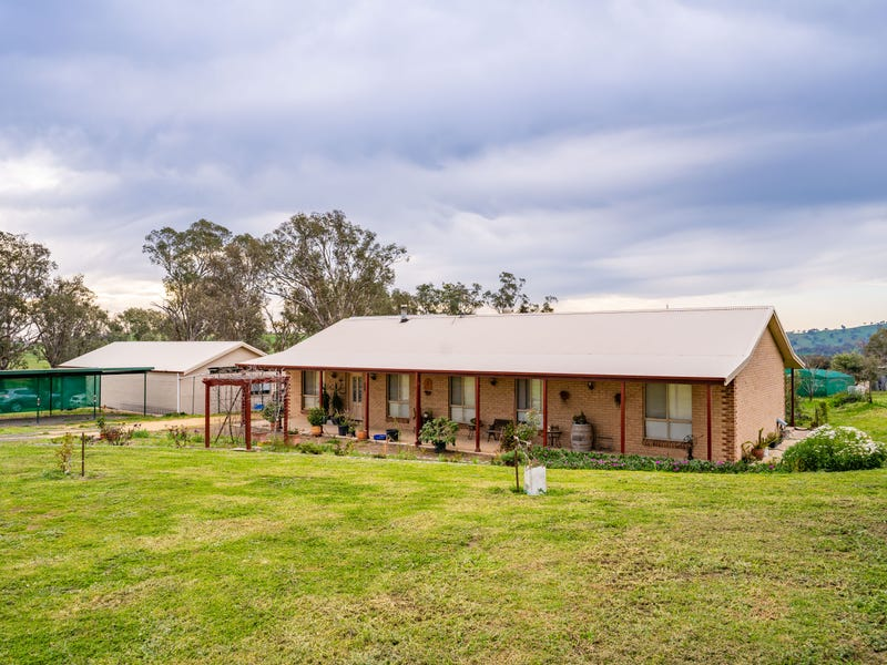 1034 Pine Mount Road, Woodstock, NSW 2793