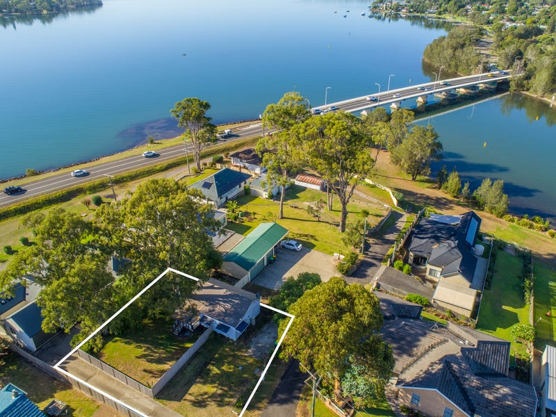 4 FIG TREE LANE, Fennell Bay, NSW 2283