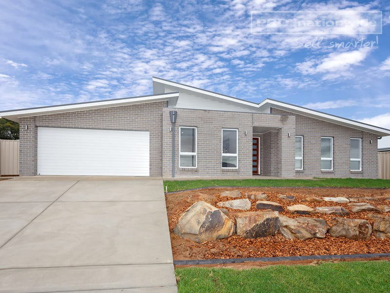 75 Barmedman Ave, Gobbagombalin, NSW 2650
