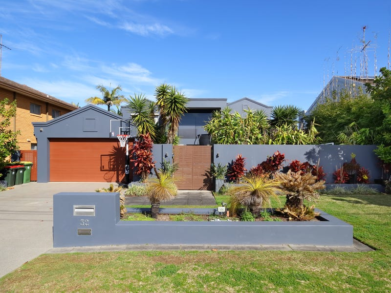 32 Castlereagh Crescent, Sylvania Waters, NSW 2224