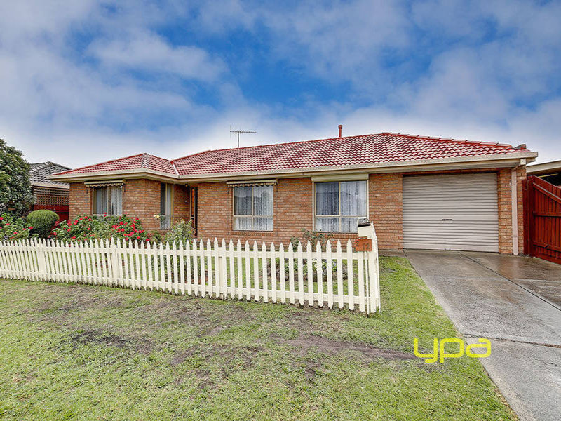 2/12 Ashleigh Crescent, Meadow Heights, Vic 3048