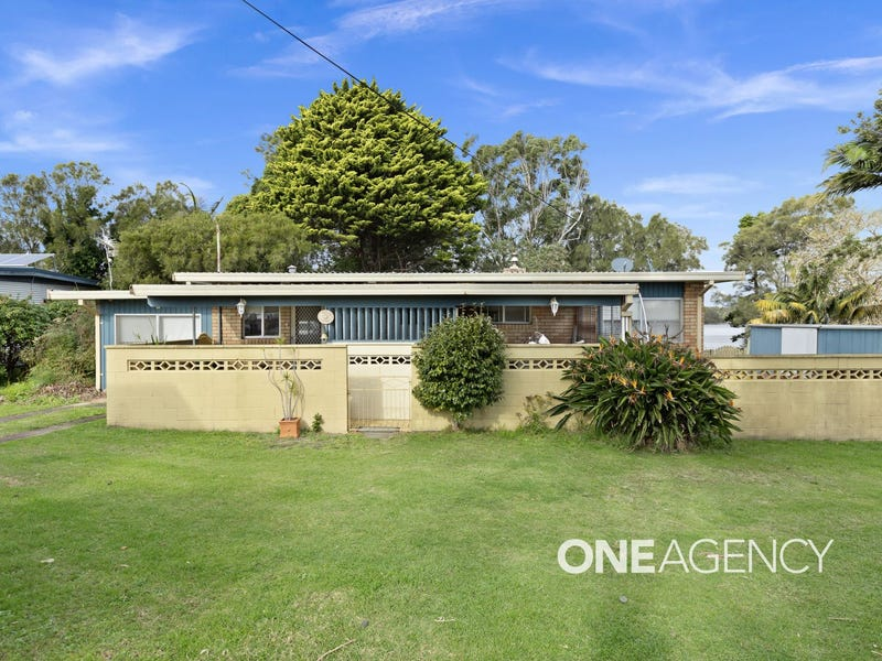 2 Crookhaven Drive, Greenwell Point, NSW 2540