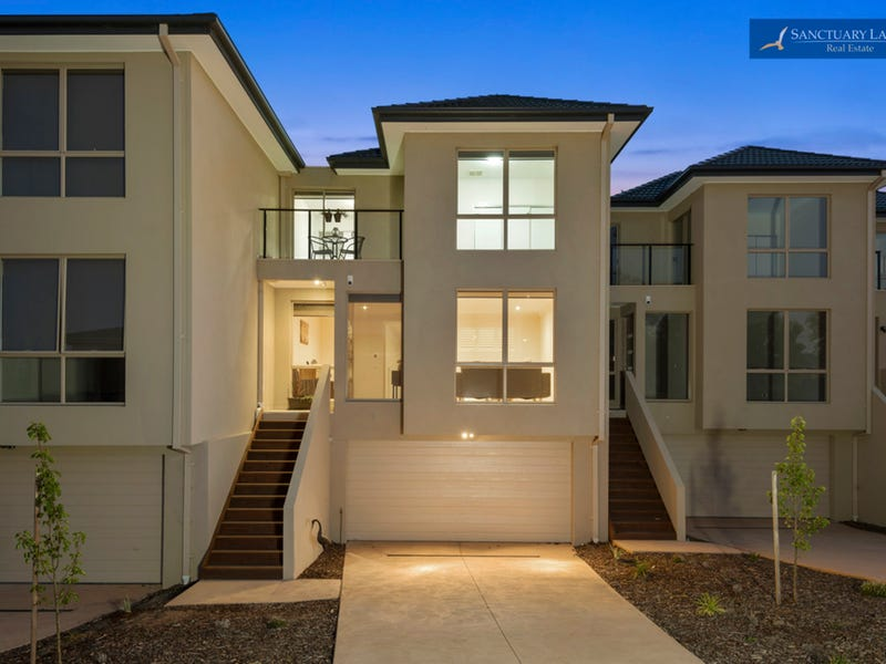 4/1-9 Eagleview Place, Sanctuary Lakes, Vic 3030