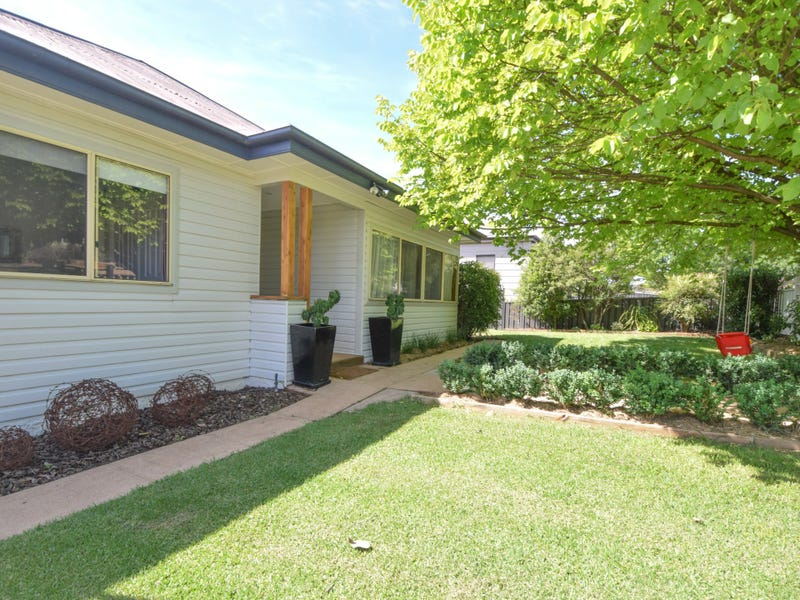 48 Yass Streert, Young, NSW 2594