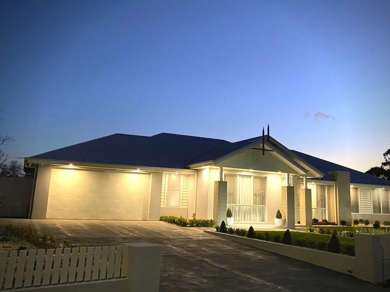 42 Sir James Fairfax Circuit, Bowral, NSW 2576