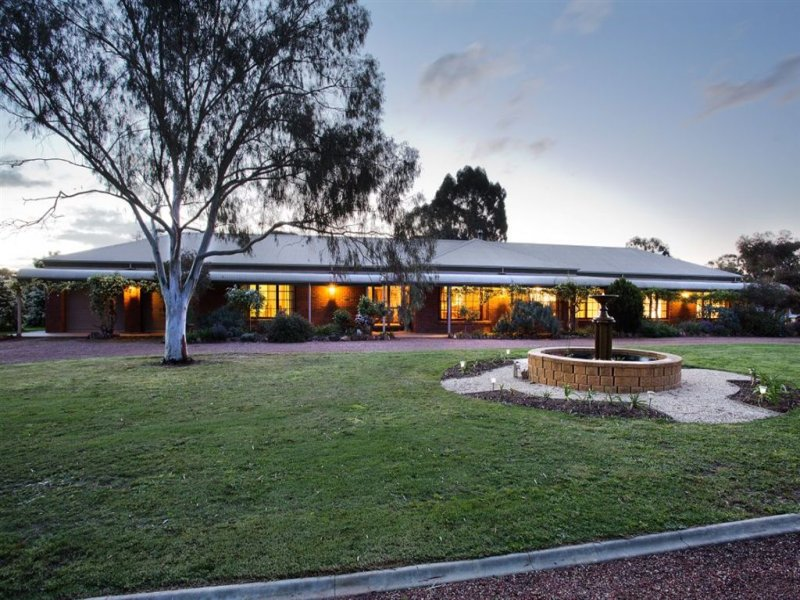998 Bendigo Maryborough Road, Lockwood, Vic 3551